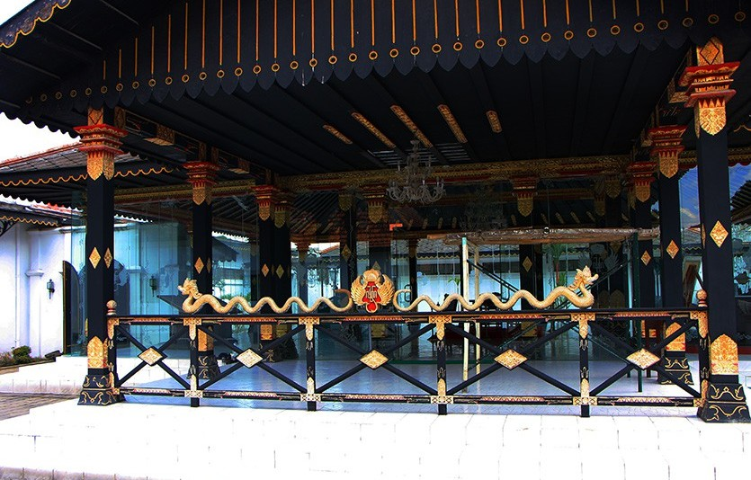 Kraton_Palace_Photo12